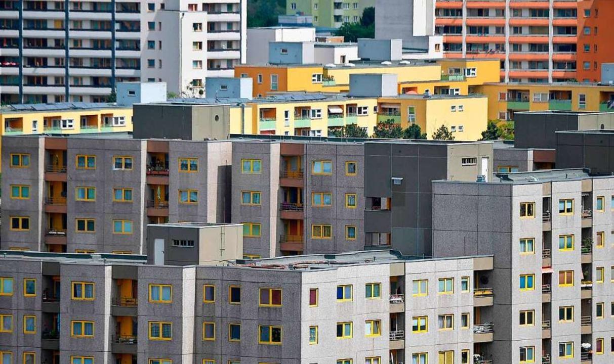 In vielen Städten sind die Mieten in d...rem gestiegen (Symbolbild aus Berlin).  | Foto: TOBIAS SCHWARZ (AFP)
