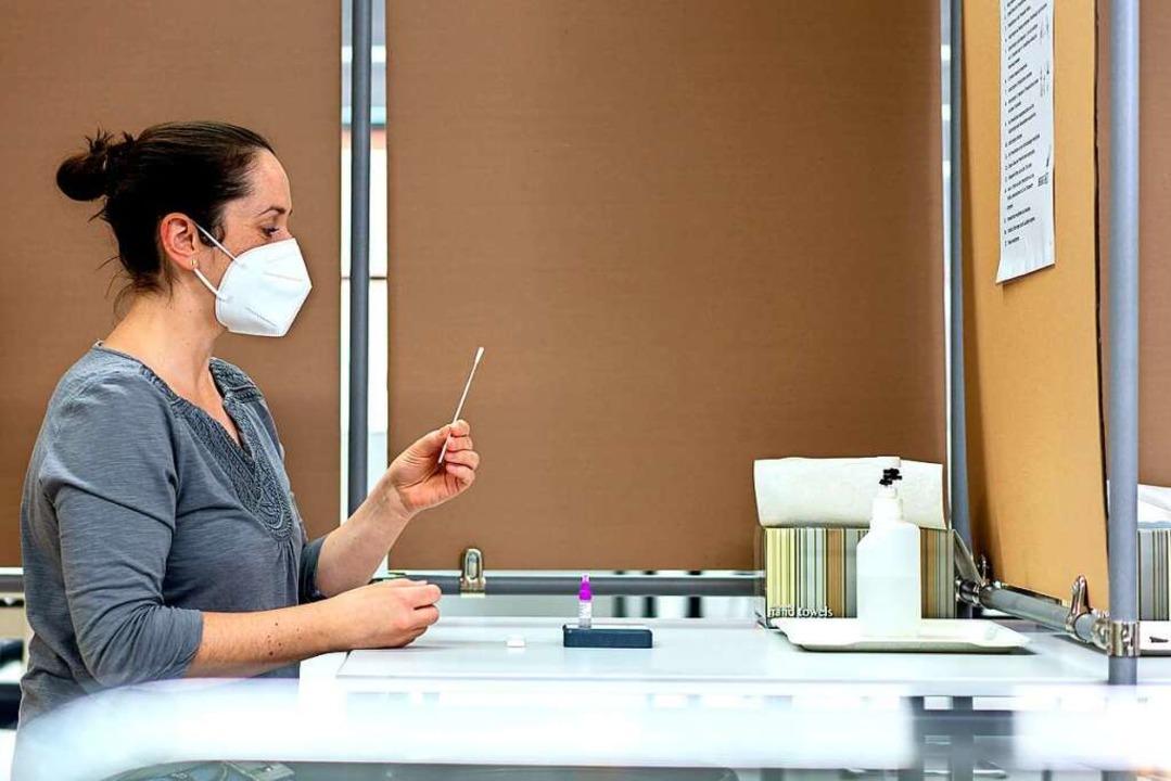 Den Test führen die Beschäftigten selbst durch.  | Foto: Firma Endress und Hauser