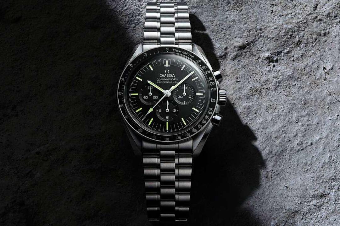 Die Speedmaster Moonwatch von Omega fü...iburg gibt es sie bei Juwelier Nittel.  | Foto: Omega AG