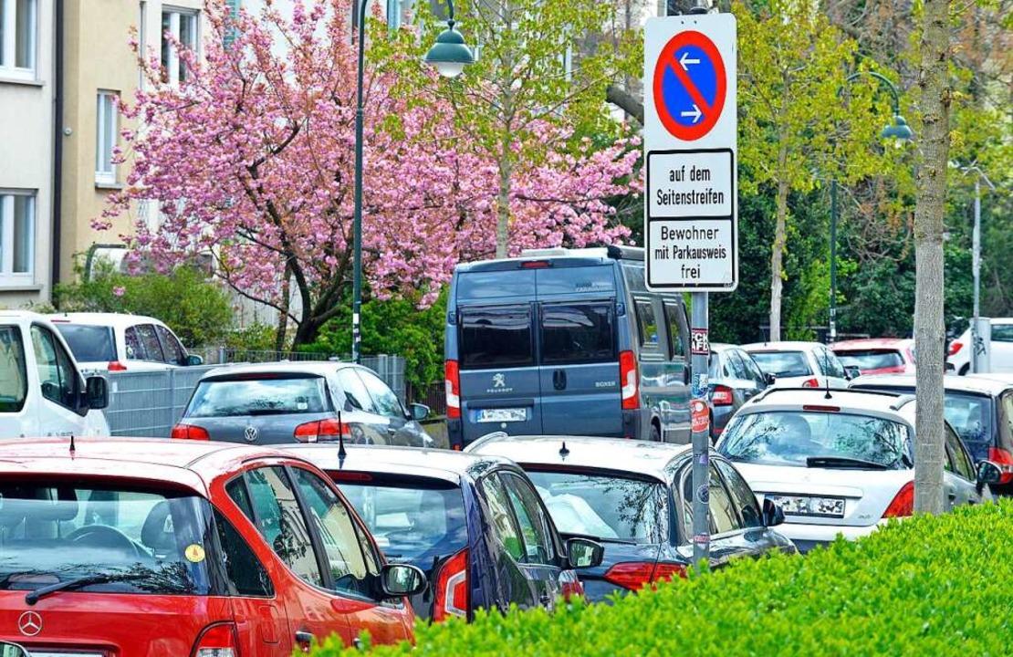 Weil Autos verschiedener Größe untersc...iel Geld bezahlen, fordern die Grünen.  | Foto: Michael Bamberger