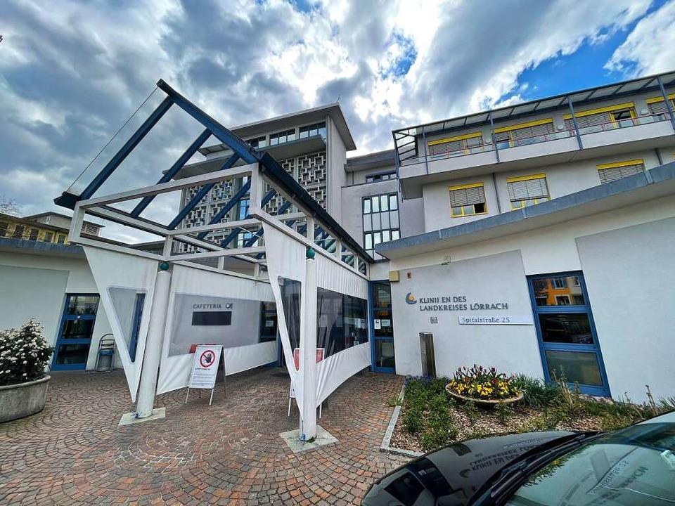 Die Kliniken des Landkreises Lörrach t...ienten vor der Aufnahme mit PCR-Tests.  | Foto: Barbara Ruda