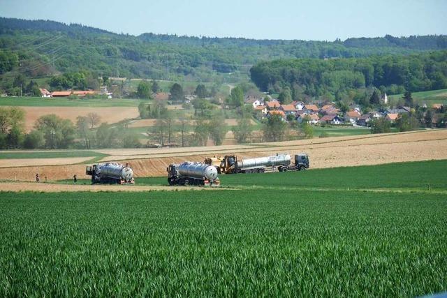 In Kandern-Tannenkirch wird über Lkw auf Feldwegen gestritten