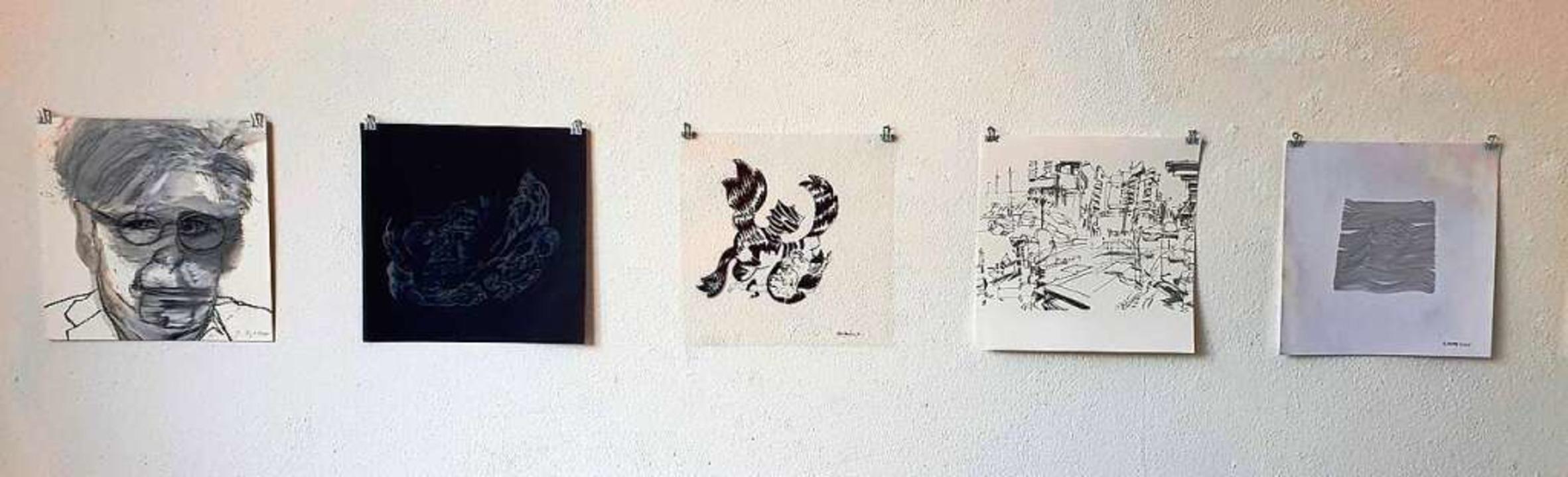 Fünf der 42 Grafiken, die derzeit im H...#8211; und zwar alle im selben Format.  | Foto: Julius Wilhelm Steckmeister