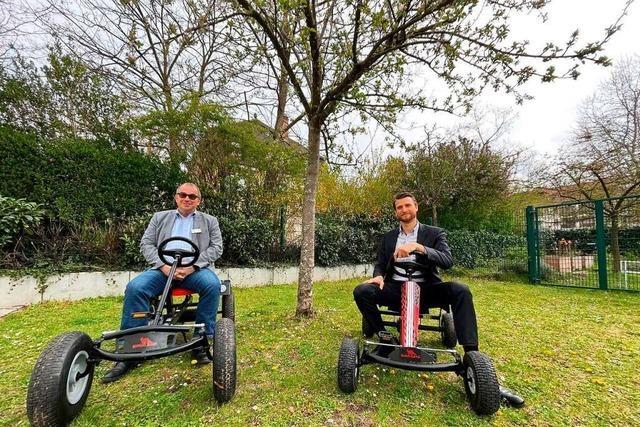 Chinderlache spendet der Kinder- und Jugendpsychiatrie zwei Gokarts