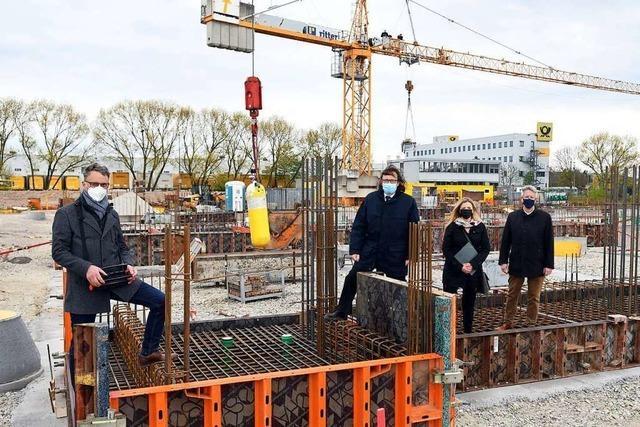 Lahr legt Grundstein für neue Feuerwache-West im Industriegebiet