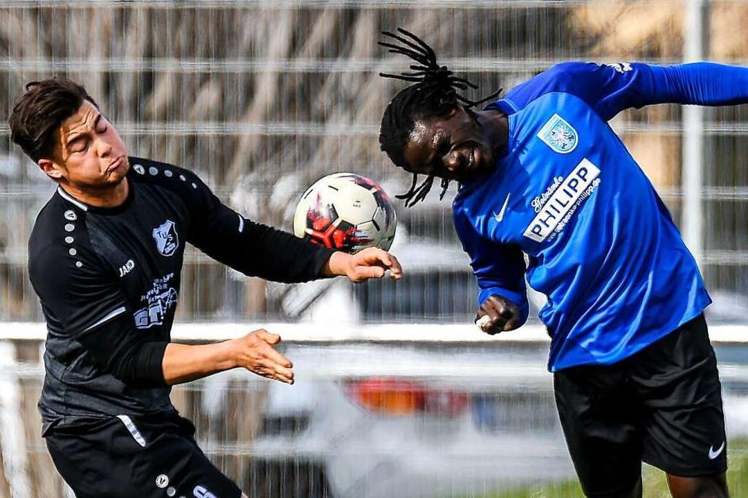 Zehn Jugendspieler integriert: Foday S...FVD schon zu den erfahreneren Kräften.    Foto: Gerd Gruendl