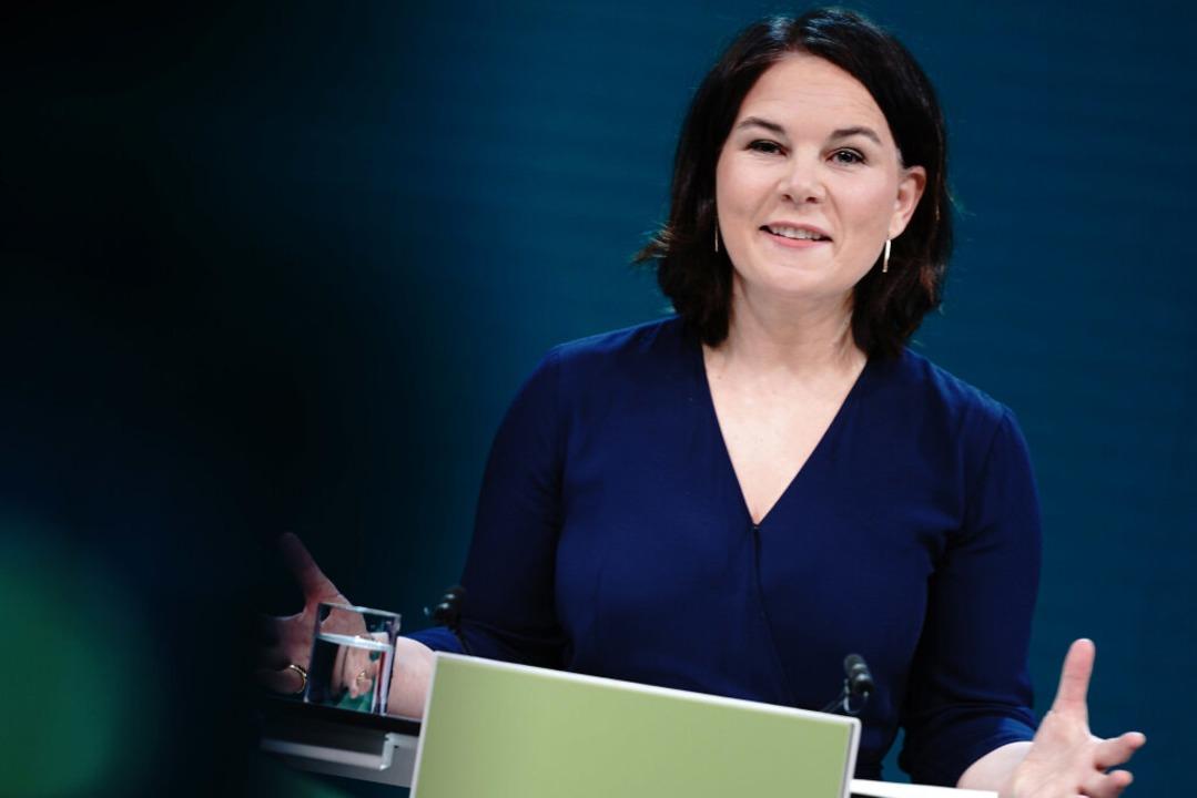 Annalena Baerbock will die Grünen ins Kanzleramt führen.  | Foto: Kay Nietfeld (dpa)