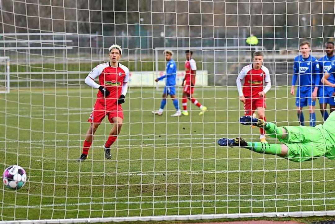 Beim 2:0 gegen die TSG Hoffenheim II v...st wegen muskulärer Probleme fraglich.  | Foto: Achim Keller