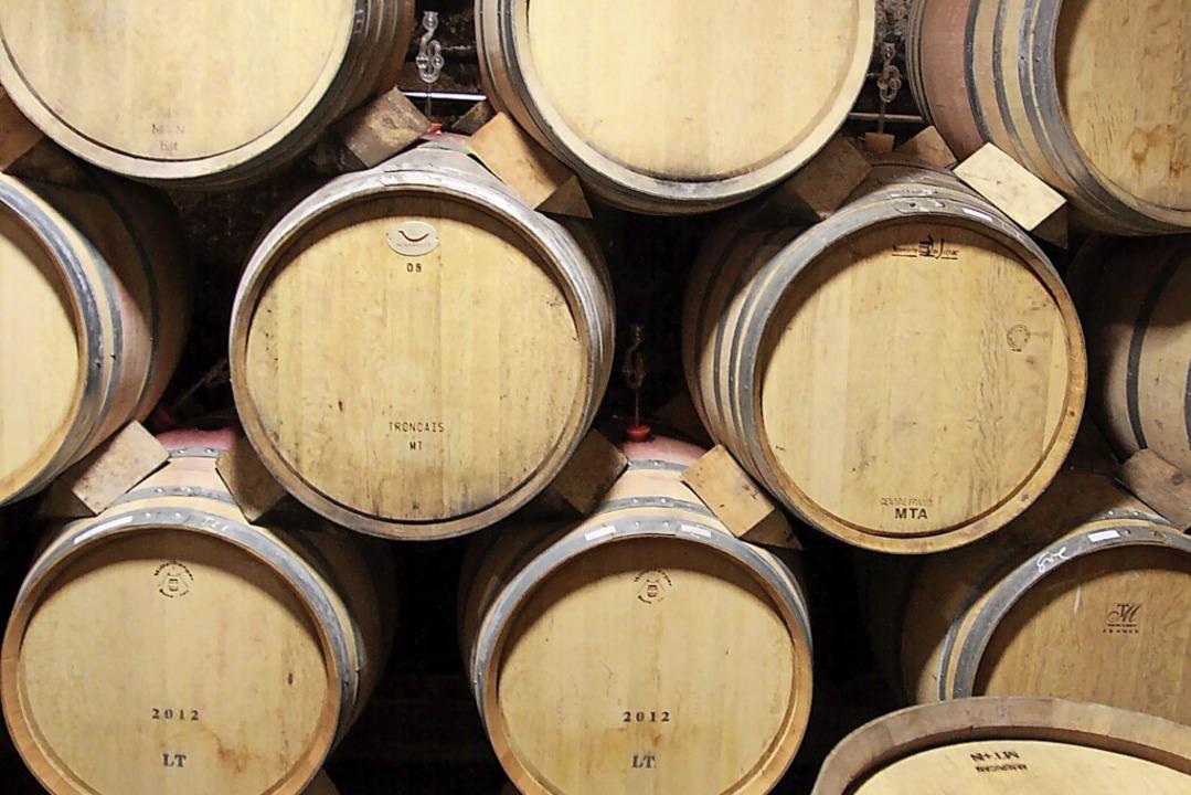 Damit der Wein in den Fässern gut verg...eltweit Hefen aus Breisach eingesetzt.  | Foto: Max Schuler