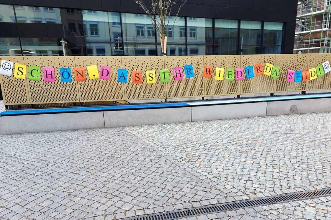 Ein Willkommensgruß am Ursula-Gymnasium  | Foto: Frank Schoch