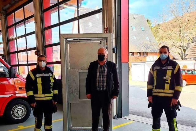 Die Feuerwehr Kandern hat eine Übungstüre bekommen