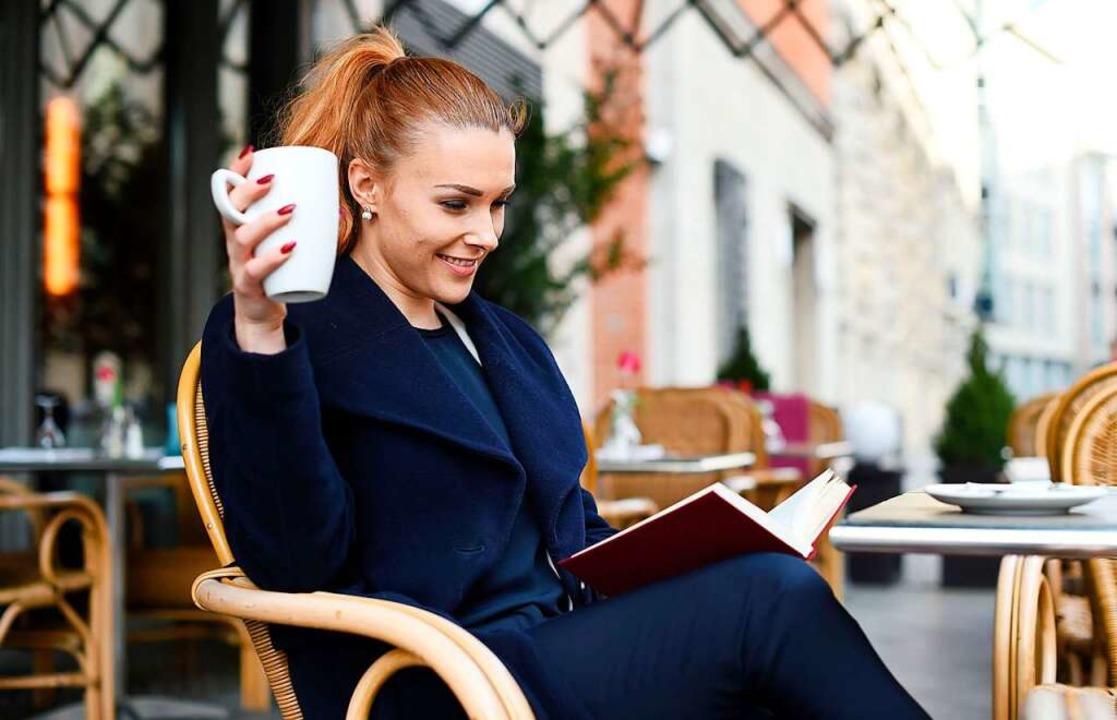 Kaffee ist Genuss. Er macht wacher und leistungsfähiger.  | Foto: Jens Kalaene/dpa-tmn