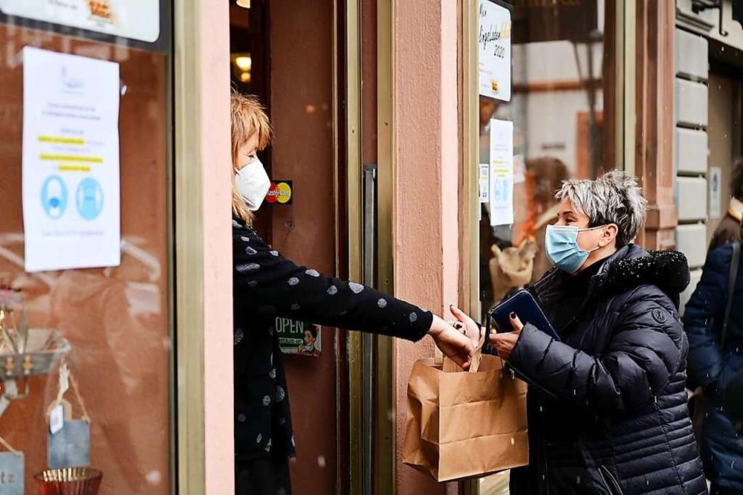 Einzelhandelsgeschäfte und Baumärkte m...mp;Collect ist aber weiterhin möglich.    Foto: Uwe Zucchi (dpa)
