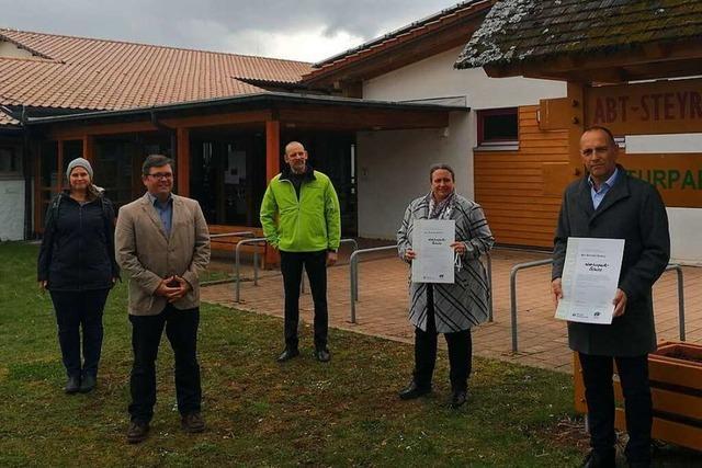 Grundschule in St.Peter bleibt weitere fünf Jahre Naturpark-Schule