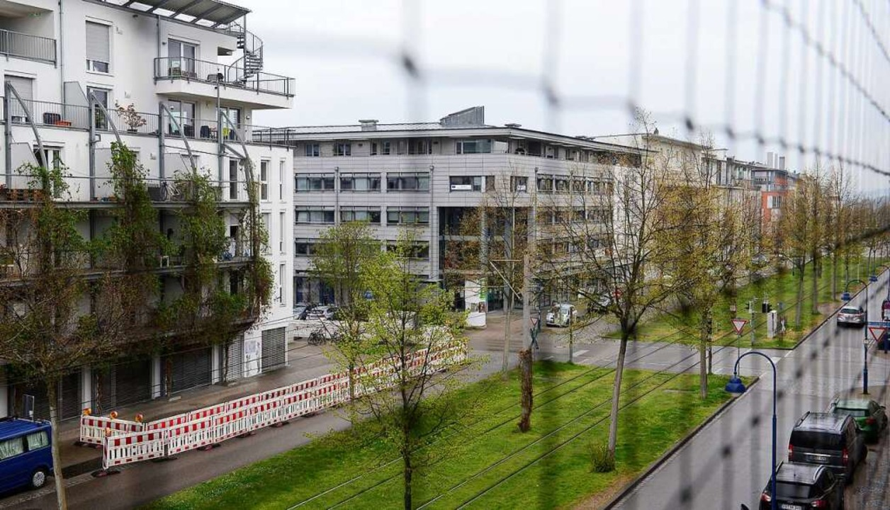 Der Gebäudekomplex an der Rieselfeldal... Jahresanfang den Besitzer gewechselt.  | Foto: Ingo Schneider