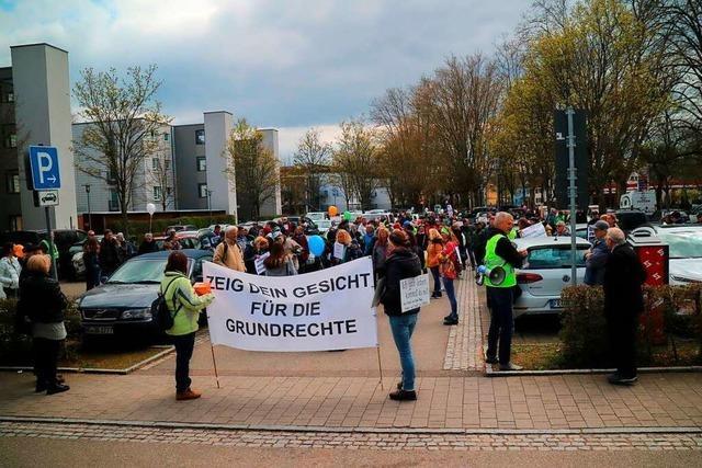 Stadt Offenburg verweist bei Querdenken-Demo auf das Gesundheitsamt