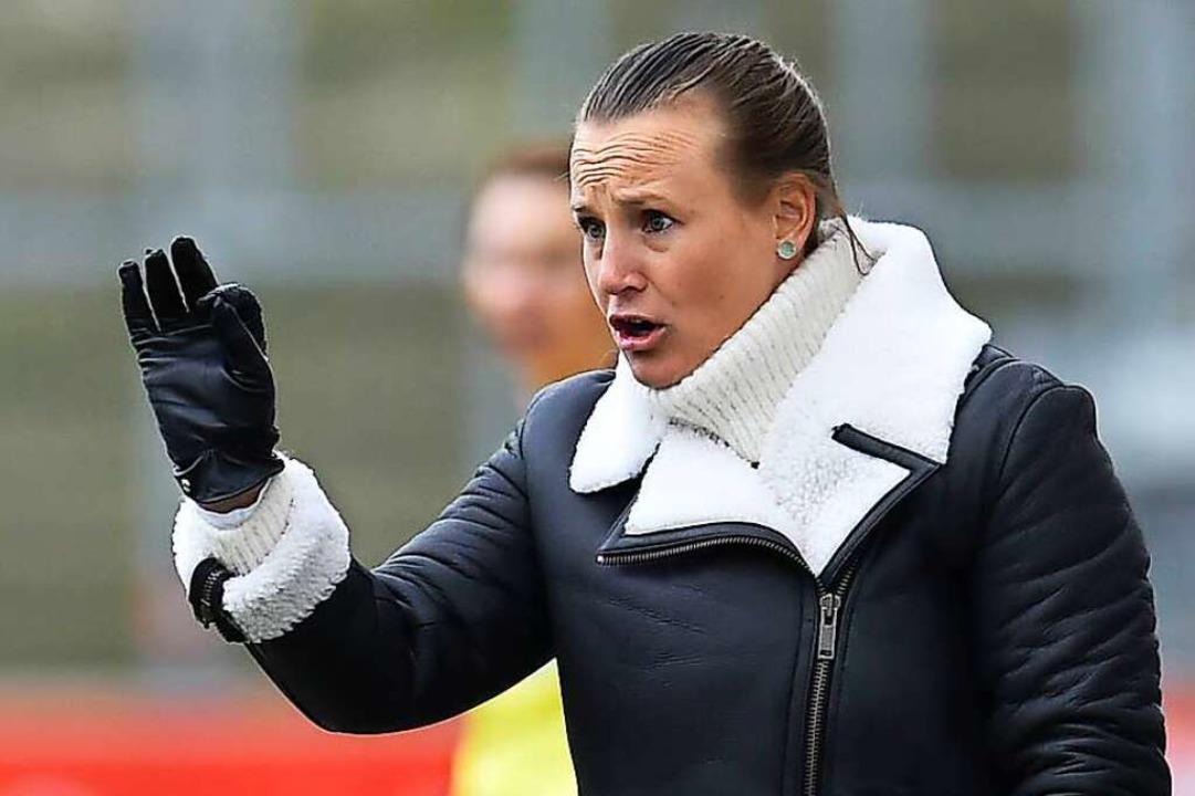 Acht Punkte in 18 Spielen als Sander Trainerin: Nora Häuptle  | Foto: Fotografie73 via www.imago-images.de