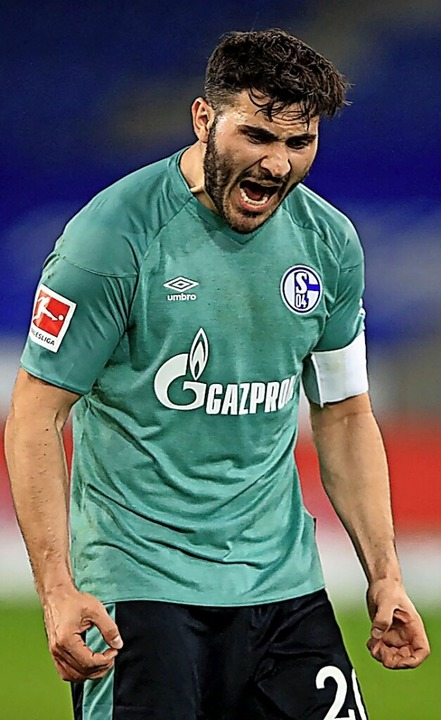 Sauer – und abgestiegen: Schalkes Winter-Neuzugang Seat Kolasinac    Foto: WOLFGANG RATTAY (AFP)