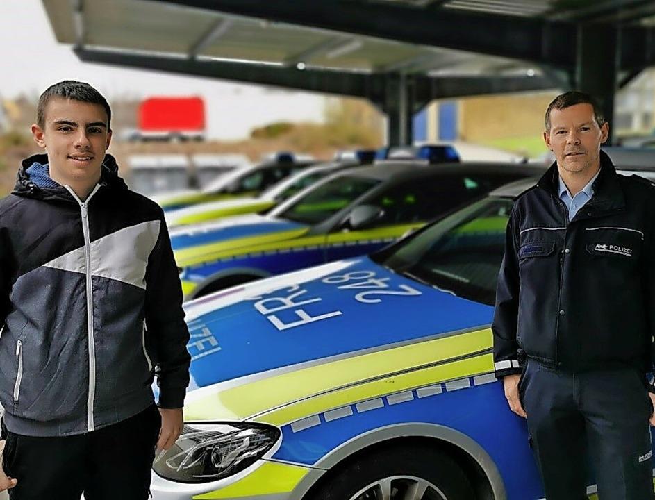 Zischup-Reporter Linas Jockmann mit Polizeioberkommissar Rainer Ledwig (rechts)     Foto: privat