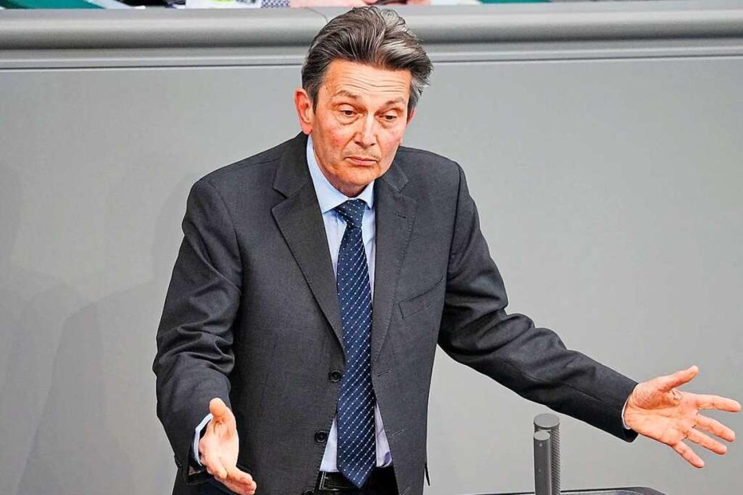 Rolf Mützenich, Vorsitzender der SPD-B...spricht in der Sitzung des Bundestags.  | Foto: Michael Kappeler (dpa)