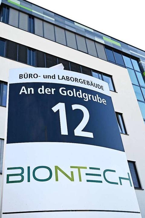 Der Standort von Biontech in Mainz:  M...fstoffhersteller Biontech und Curevac.  | Foto: Arne Dedert (dpa)