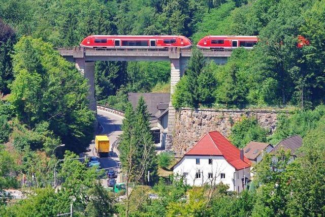 Die Hochrheinstrecke bis Konstanz vervollständigt die badische Hauptbahn