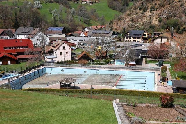Erwin Junker spendet eine Million für die Sanierung des Nordracher Schwimmbads