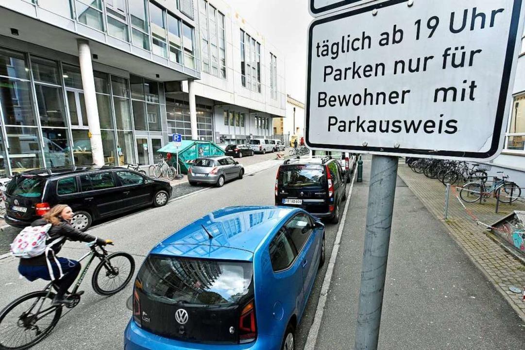 Sollen künftig teurer werden: Berechtigungen für Bewohnerparkausweise  | Foto: Michael Bamberger