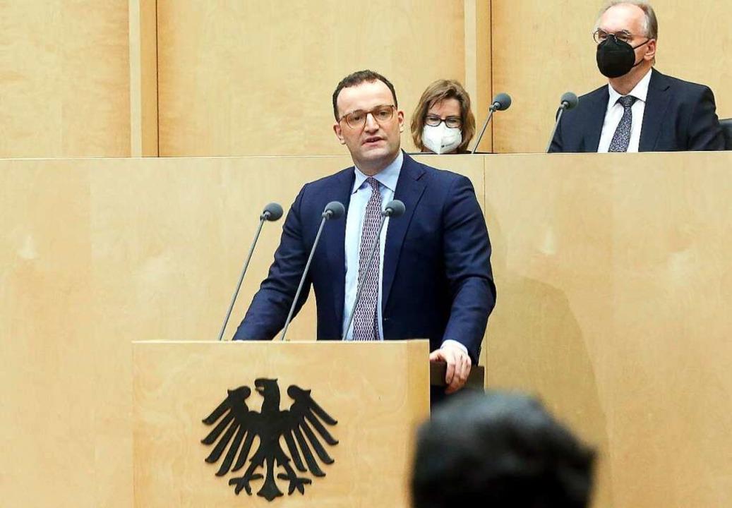 Jens Spahn spricht im Bundesrat.  | Foto: Wolfgang Kumm (dpa)