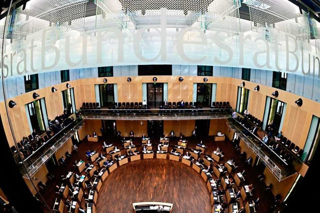 Der Bundesrat hat das neue Infektionss...chiedet - ersichtlich zähneknirschend.    Foto: TOBIAS SCHWARZ (AFP)