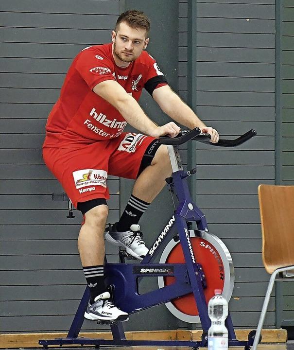 Bereits  gegen Krefeld verbrachte Dani...dermann viel Zeit auf dem Spinningrad.  | Foto: Wolfgang Künstle