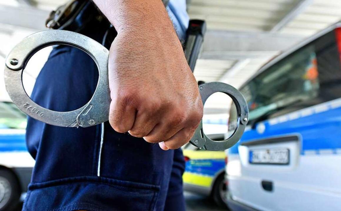 Die Polizei hat einen 33-Jährigen fest...esser verletzt haben soll. Symbolbild.  | Foto: Michael Bamberger