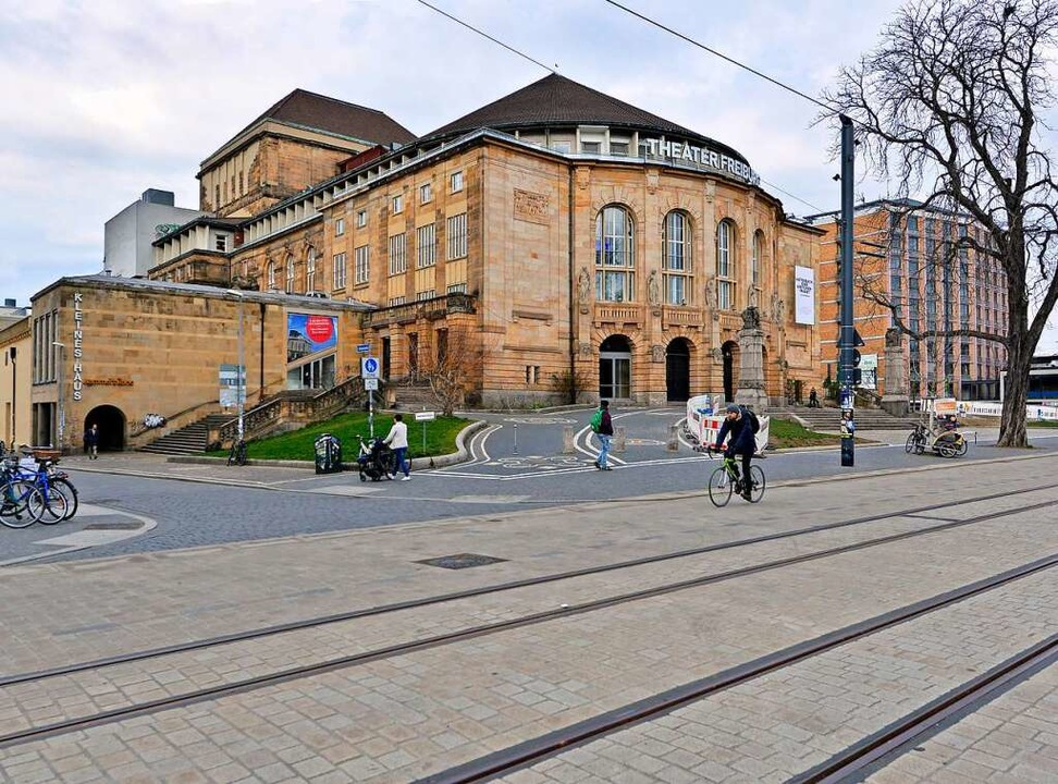 Beim Freiburger Stadttheater hat ein 3...ine junge Frau attackiert. Symbolbild.  | Foto: Michael Bamberger