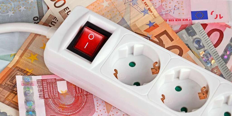 Die EEG-Umlage macht einen großen Teil der Stromkosten aus.  | Foto: ©photo 5000  (stock.adobe.com)