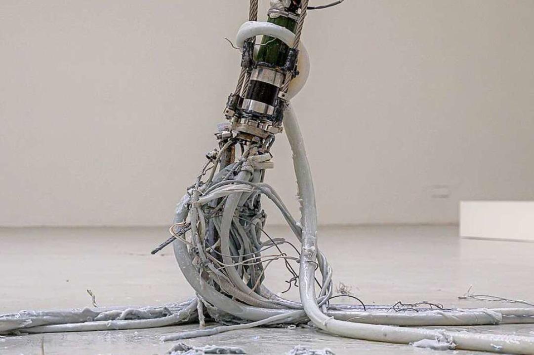 Ein graues Etwas. Mire Lee: Untitled (2021)    Foto: Marc Doradzillo