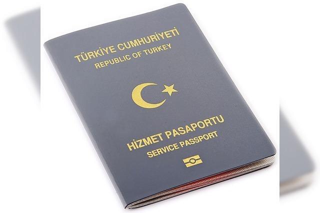 Schwindel mit türkischen Pässen