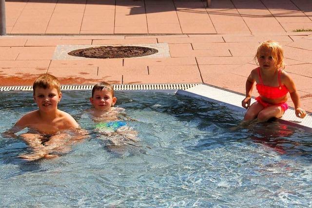 Das Schwimmbad in Schönau hat auch eine Minigolfanlage