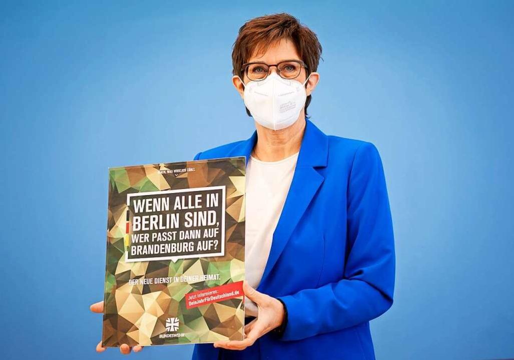 """Annegret Kramp-Karrenbauer, Bundesmini...8222;Dein Jahr für Deutschland"""".    Foto: Kay Nietfeld"""
