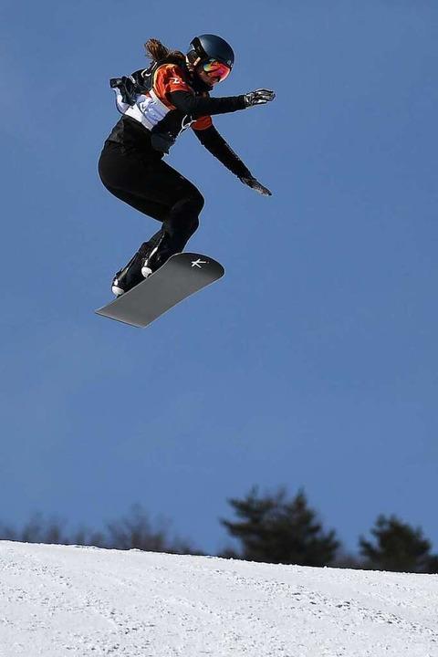 Springt hoch hinaus: Jana Fischer bei ...pischen Winterspielen 2018 in Südkorea  | Foto: Angelika Warmuth