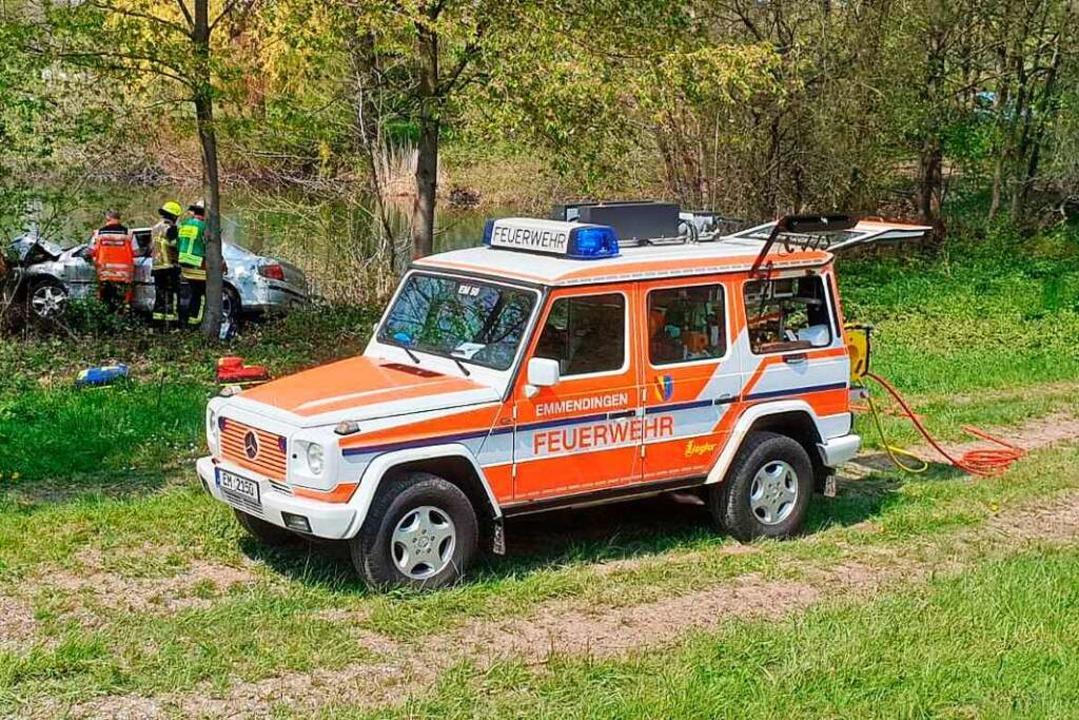 Von einem Schutzengel schreibt die Pol...ahrzeug in den Baggersee abzurutschen.  | Foto: Feuerwehr Emmendingen