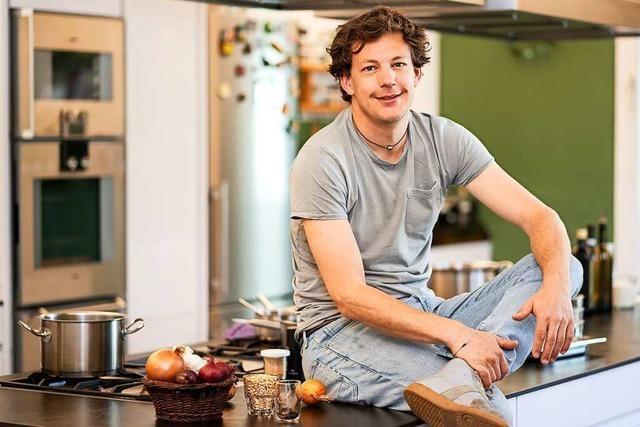 Kochen Sie ein Zweigang-Spargel-Menü mit Ben Kindler!