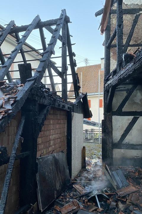 Hoher Sachschaden entstand bei dem Brand am frühen Freitagmorgen in Riedlingen.  | Foto: Günter Lenke