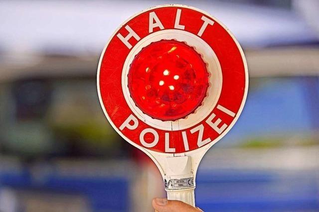 Polizei zieht berauschten Autofahrer ohne Führerschein und ohne Zulassungsstempel aus dem Verkehr