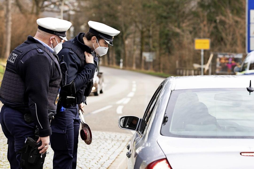 Kontrolle an der Grenze: Für Personen ...inreisegrund aus der Schweiz vorliegt.  | Foto: Severin Bigler/CHMedia