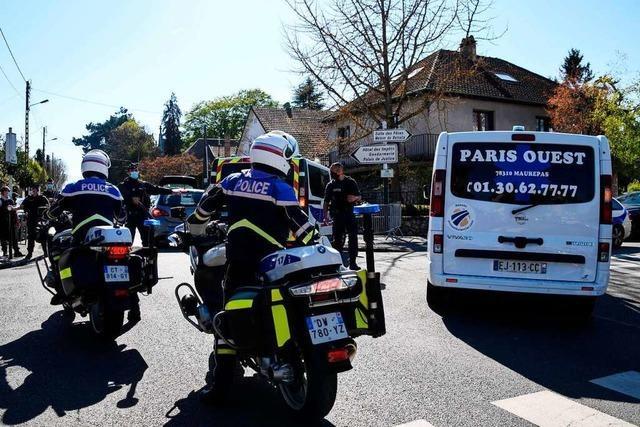 Polizistin bei Paris getötet – Terrorverdacht