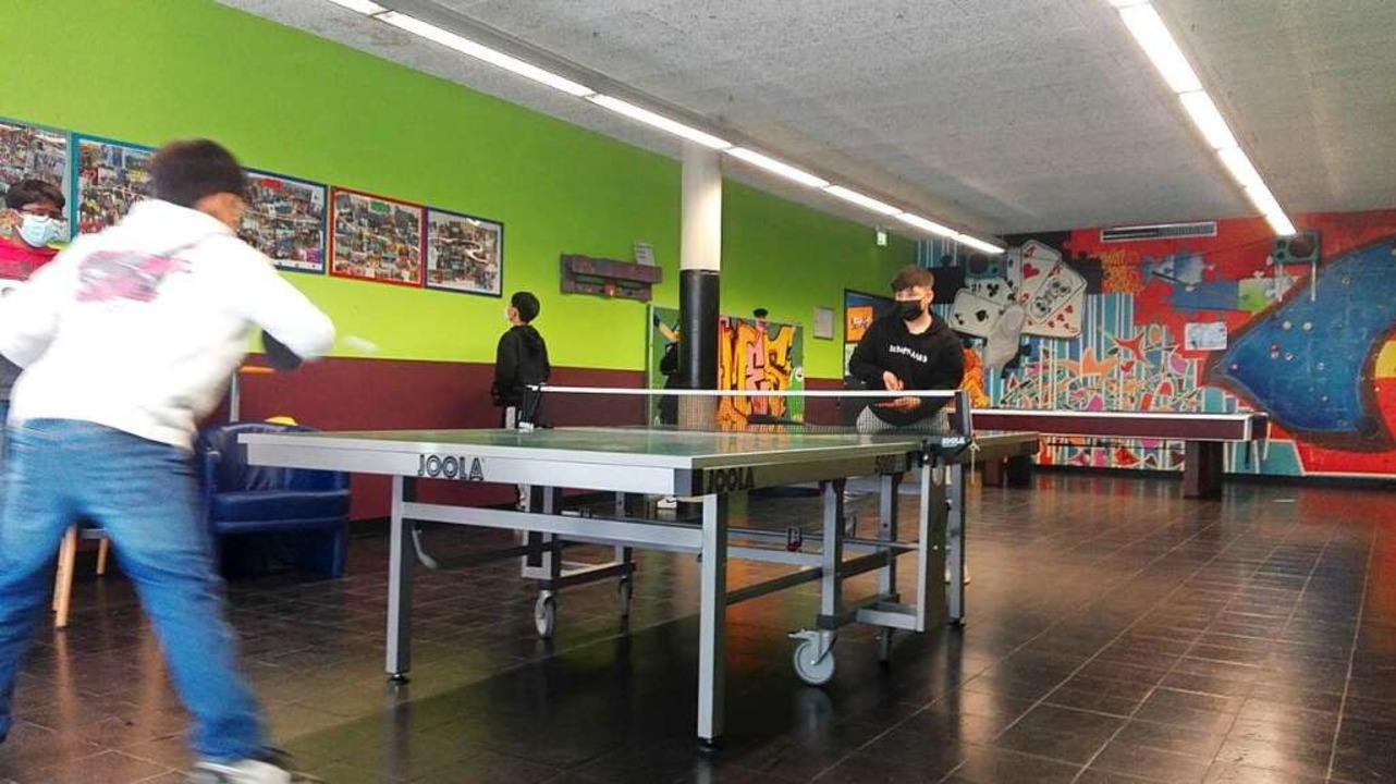 Eine Freizeitaktivität, die auch mit Abstand gut funktioniert, ist Tischtennis.  | Foto: privat