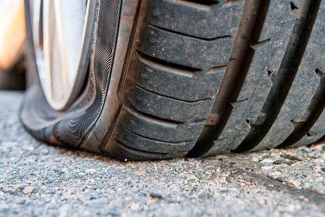 Reifen an 23 Autos im Emmendingen zerstört