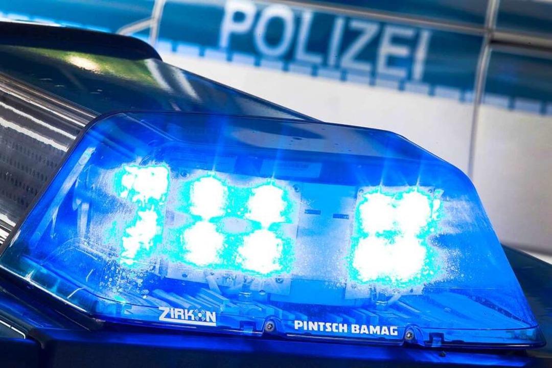 Die Ermittlungen der Polizei  dauern an.  | Foto: Friso Gentsch (dpa)