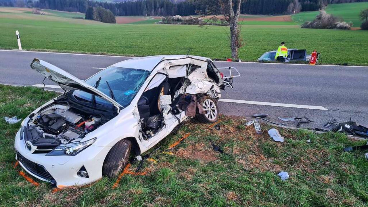 Zu einem schweren Unfall ist es am Mon...Reiselfingen und Göschweiler gekommen.  | Foto: kamera24