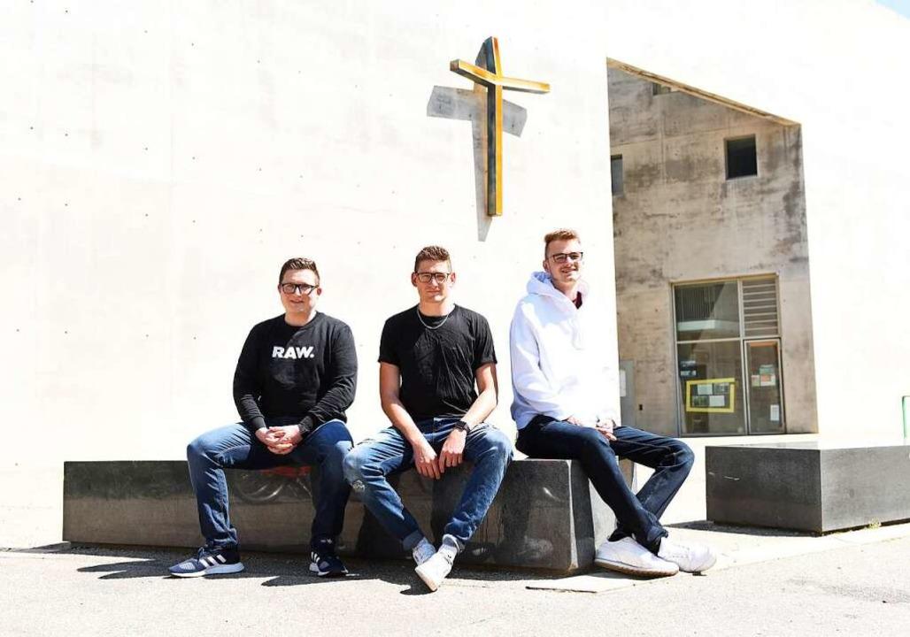 Felix Sumbert, Luis Haber und Felix La...ria Magdalena im Stadtteil  Rieselfeld    Foto: Rita Eggstein